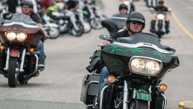 Komunitas Harley-Davidson menjelaskan salah satu alasan pengguna moge terlihat arogan karena malas berhenti.