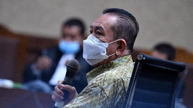 Terdakwa Djoko Tjandra ragu dengan keterangan saksi dari pihak kepolisian dalam sidang kasus surat jalan palsu.