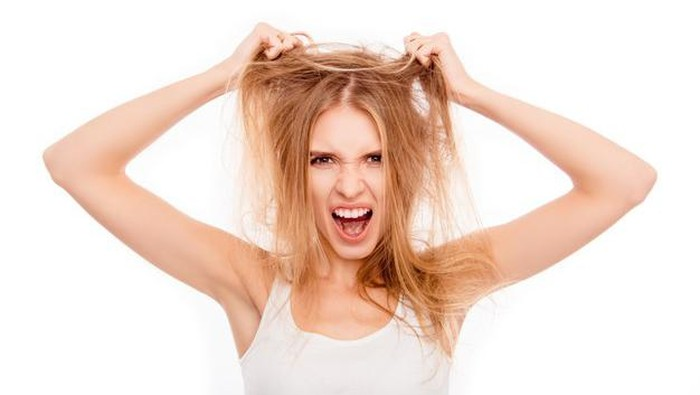 Rambut Berubah Menjadi Kecoklatan? Ternyata Ini 5 Faktor Penyebabnya!