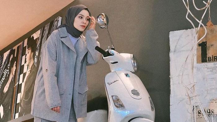 5 Tips Pakai Hijab untuk Pengendara Motor, Tetap Nyaman dan Rapi