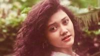 <p>Bella Saphira memulai kariernya sejak 1988. Kala itu, ia menjadi finalis GADIS Sampul.</p>
