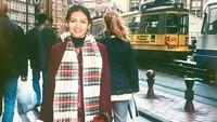 <p>Tiga tahun setelahnya di tahun 1991, Bella Saphira menjadi finalis Voice of Asia. Saat itu ia mencoba peruntungan di dunia tarik suara.</p>