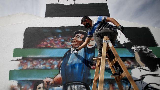 Kepergian Diego Maradona meninggalkan duka bagi dunia, tak hanya pesepakbola tapi juga atlet olahraga lainnya, mulai dari Lionel Messi hingga Valentino Rossi