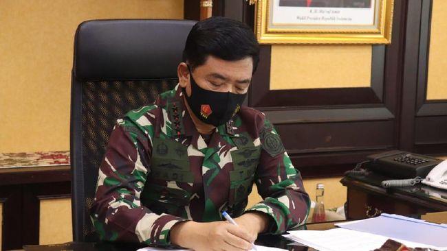 Salah satu yang dimutasi adalah Pangdam Diponegero Mayjen Bakti Agus Fadjari menjadi Wakasad yang posisinya lowong sejak Letjen Herman Asaribab meninggal.