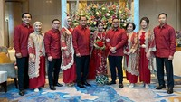 <p>Acara lamaran tersebut nampaknya digelar tertutup dan hanya dihadiri keluarga dan kerabat dekat. (Foto: Instagram @cnndaradjatun)</p>