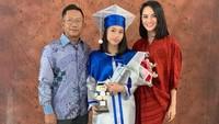 <p>1. Dari pernikahan pertamanya dengan Tanri Abeng, Ririn Ekawati dikaruniai seorang putri bernama Putty Jasmine Salsabila Abeng, Bunda.(Foto: Instagram @ririnekawati)</p>