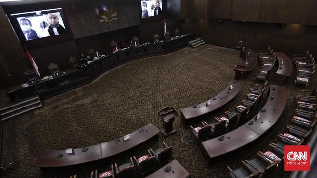 MK Gelar Sidang Gugatan UU Cipta Kerja Hari Ini