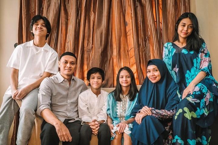 Andra Ramadhan bersama istri dan anak-anak