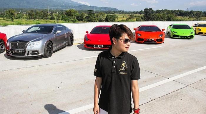 10 Potret Ganteng Crazy Rich Surabaya Melvin Tenggara, Bikin Meleleh!