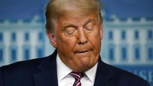 Sebelum Lengser, Trump Kembali Blacklist Produsen Chip China