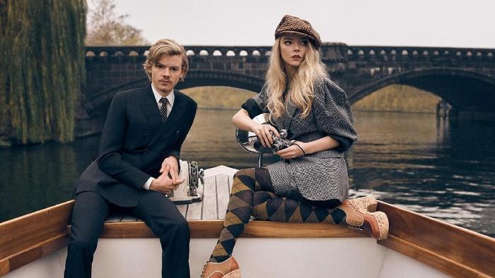 Contek Tren Fashion 60-an Dalam Series