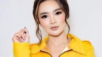 <p>Wika Salim adalah penyanyi dangdut dan merupakan jebolan program ajang kompetisi pencarian bakat StarDut di salah satu televisi Swasta.</p>