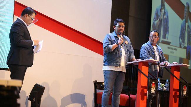 Bobby Nasution menyebut warga Medan masih menganggap virus corona sebagai aib, sementara Akhyar Nasution mengatakan kasus Covid-19 di Medan relatif rendah.