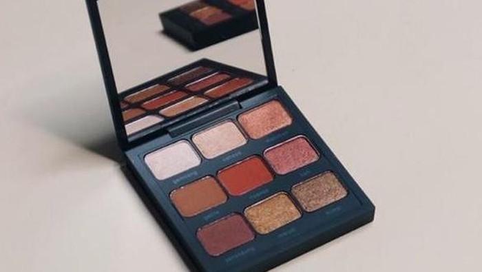 Review Eyeshadow Pallete Buma, Cantik dan Pigmented!