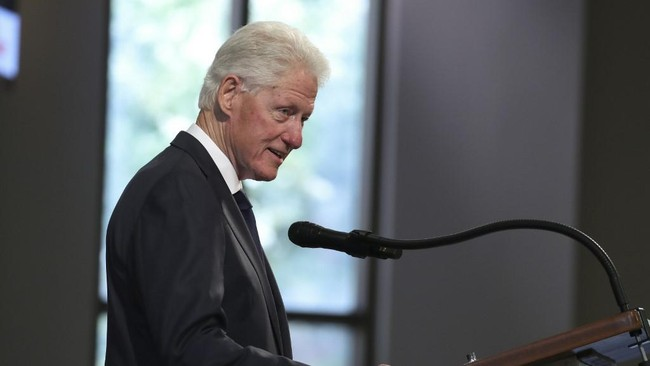 Besok, Bill Clinton Dijadwalkan Pulang dari RS