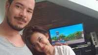 <p>Saat menikah dengan Zack Lee, Nafa Urbach dikaruniai seorang anak perempuan yang diberi nama Mikhaela Lee Jowono, Bunda.(Foto: Instagram @nafaurbach)</p>