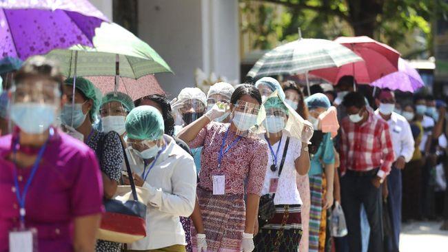 Proses penanganan pandemi Covid-19 di Myanmar terganggu karena tenaga kesehatan ikut mogok kerja menentang kudeta.