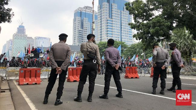 Polisi memastikan kerusuhan dalam aksi demonstrasi yang beredar di media sosial hari ini Sabtu (24/7) dipastikan hoax.