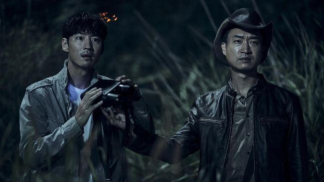Collectors, film terbaru Lee Je-hoon dan Shin Hye-sun, memperpanjang daftar film Korea yang berhasil meraih lebih dari 1 juta penonton.