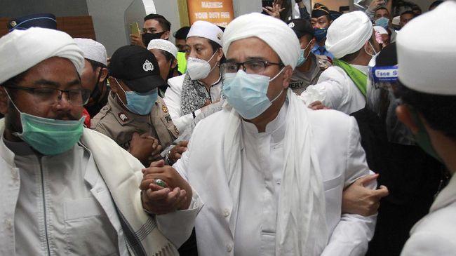 Kapolres Jakarta Pusat Heru Novianto menyebut Rizieq Shihab akan melakukan tes swab mandiri dan menolak bantuan dari aparat kepolisian dan pemerintah.