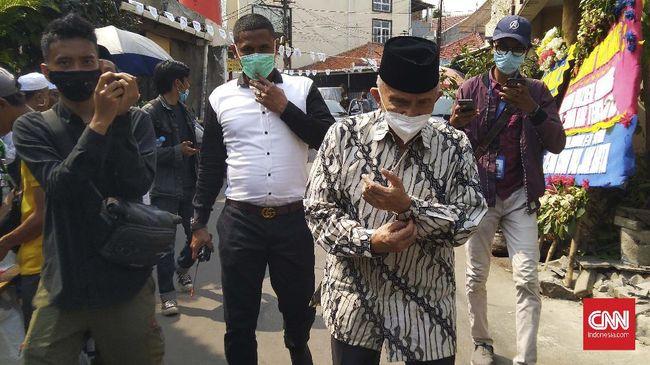 Pendiri Partai Ummat Amien Rais menyambangi kediaman Rizieq Shihab di Petamburan, Jakarta, Rabu (11/11).