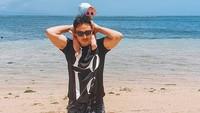 <p>Saat Hamish Daud menikahi Raisa, 3 September 2017, netizen sampai menyebutnya Hari Patah Hati Nasional. <em>He he he...</em> Ada-ada saja ya, Bunda? Pernikahan mereka pun makin bahagia sejak kehadiran sang putri, Zalina Raine Wyllie, yang genap 2 tahun pada 12 Februari mendatang. (Foto: Instagram @hamishdw)</p>
