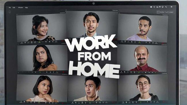 GoPlay mengangkat kisah para pekerja yang terpaksa bekerja dari rumah alias Work From Home dalam sebuah serial komedi.