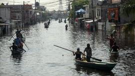FOTO: Banjir Kiriman Picu Penjarahan di Meksiko