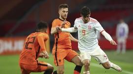 Belanda vs Spanyol Imbang, Italia Pesta Gol