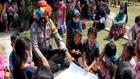 VIDEO: Polisi Beri Trauma Healing Anak-Anak Pengungsi Merapi