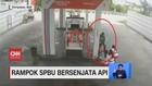 VIDEO: Perampok Berjaket Ojol Todong Pistol ke Pegawai SPBU