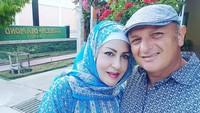 <p>1. Sebelum menikah dengan Krisdayanti, Raul Lemos pernah menikah dengan Shechah Sagran alias Atha, Bunda. (Foto: Instagram @shechahsagran)</p>