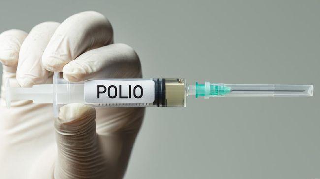 Direktur Utama PT Bio Farma (Persero) Honesti Basyir membantah pernyataan Ribka Tjiptaning terkait vaksin polio menyebabkan lumpuh.