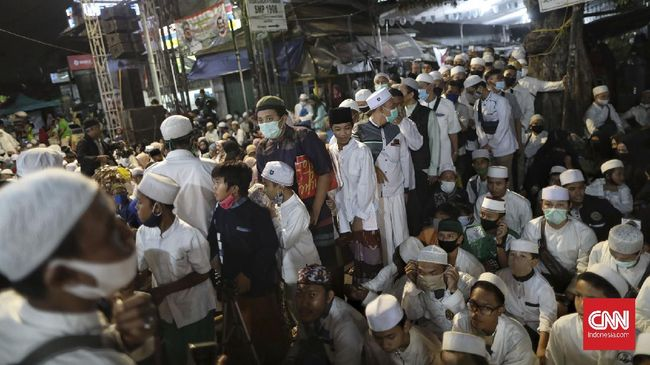 Penyidik Polda Metro bakal meminta penjelasan Rizieq Shihab ihwal undangan atau ajakan menghadiri acara Maulid Nabi dan pernikahan putrinya di Petamburan.