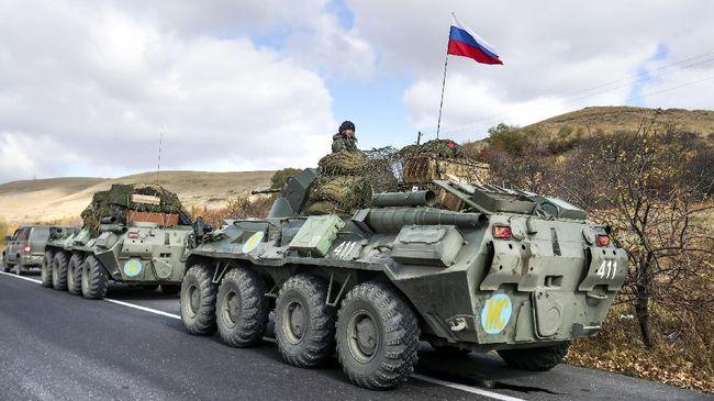 Ketegangan antara Rusia dan Ukraina terus memanas terutama setelah kedua negara terus mengerahkan pasukan ke perbatasan.