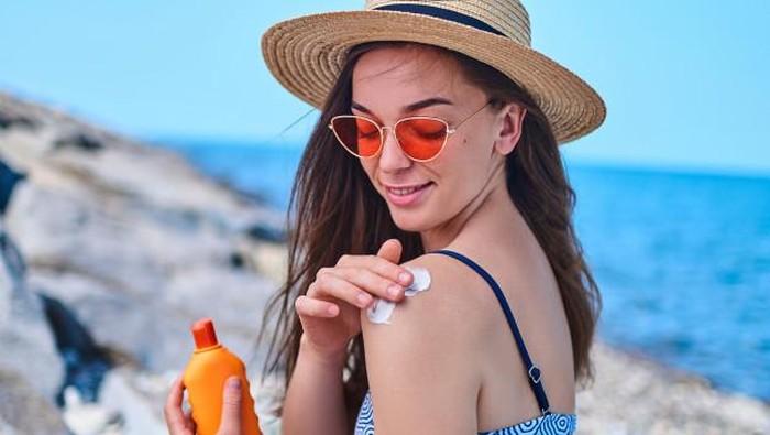 5 Sunscreen untuk Kulit Sensitif, Ampuh Lindungi Kulit dari Bahaya Sinar UV!