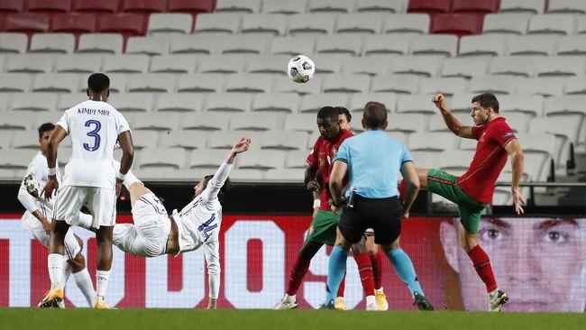 Timnas Prancis menang 1-0 atas timnas Portugal dalam lanjutan UEFA Nations League di Stadion Da Luz, Lisbon, Portugal, Minggu (15/11).