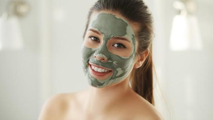 4 Rekomendasi Clay Mask Bagus di Bawah Rp 50 Ribu