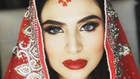 <p>3. Asha Shara pada April 2012 menikah dengan seorang pria bernama Syafiq Assa'dy. Namun, tahun ini Asha diterpa isu tak mengenakkan karena menggugat cerai suaminya pada Jumat (13/11/2020) lalu, Bunda. (Foto: Instagram @ashasyara)</p>