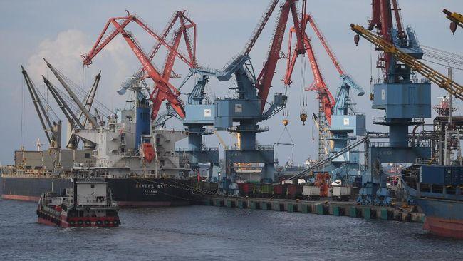 Ekonom UI Ari Kuncoro menilai China akan memimpin pemulihan ekonomi global. RI akan diuntungkan karena China adalah mitra dagang utama Indonesia.