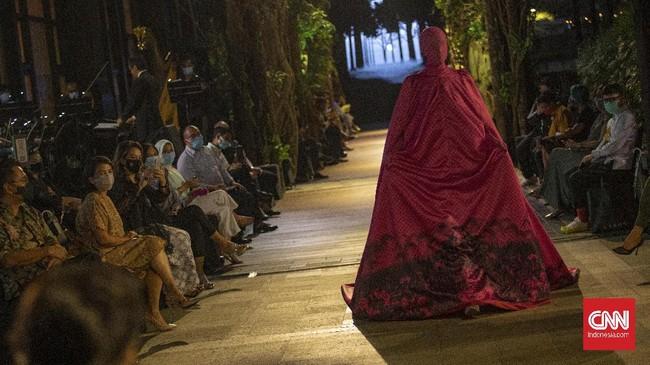 PakaianKoe dengan tema A Journey to Java dengan tujuan untuk mengembalikan cerita dan tradisi busana yang terlupakan.