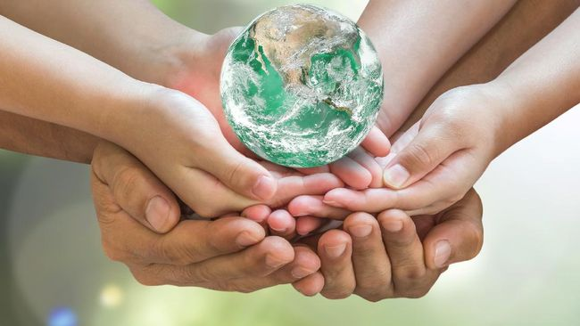 Berikut penjelasan mengenai dampak negatif dan positif globalisasi beserta ancamannya terhadap aspek ekonomi dan sosial-budaya (sosbud).