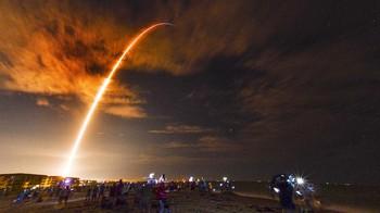Empat Turis Luar Angkasa SpaceX Berhasil Mendarat di Bumi