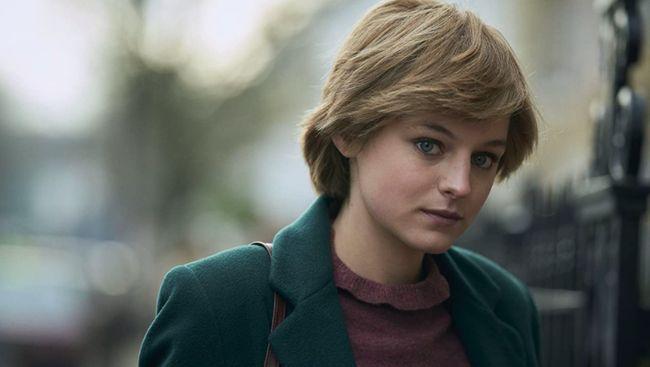 Pemeran Putri Diana dalam serial The Crown, Emma Corrin, mendukung keputusan Netflix tidak memberikan label fiksi pada serial tersebut.