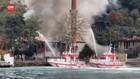 VIDEO: Masjid Kayu Bersejarah Abad Ke-17 Terbakar
