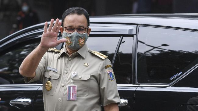 Gubernur DKI Jakarta Anies Baswedan mengatakan pada Minggu (21/2) pagi ruas jalan yang tergenang akibat luapan Kali Krukut dapat dilintasi kembali.