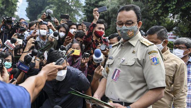 Gubernur DKI Anies Baswedan mengungkapkan alasan dirinya menetapkan standar masker untuk masyarakat di Jakarta demi mencegah Covid-19.