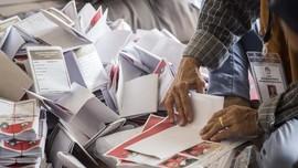 KPU Temukan 3.000 Surat Suara Rusak di Pilkada Buru Selatan