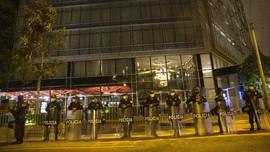 FOTO: Peru Krisis, Hotel Messi Dijaga Ketat