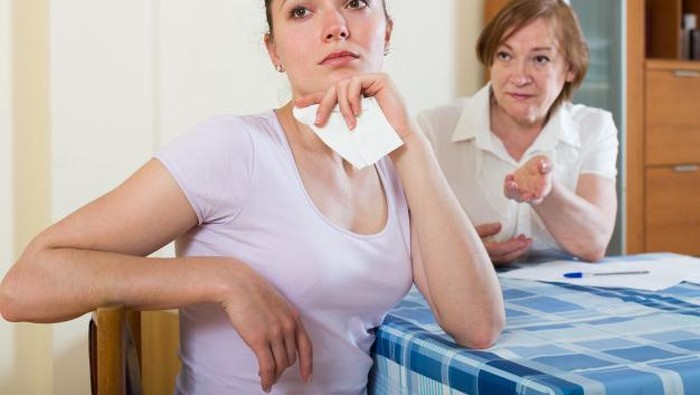 Tenang! Ini Cara Tepat Menghadapi Mertua yang Narsistik